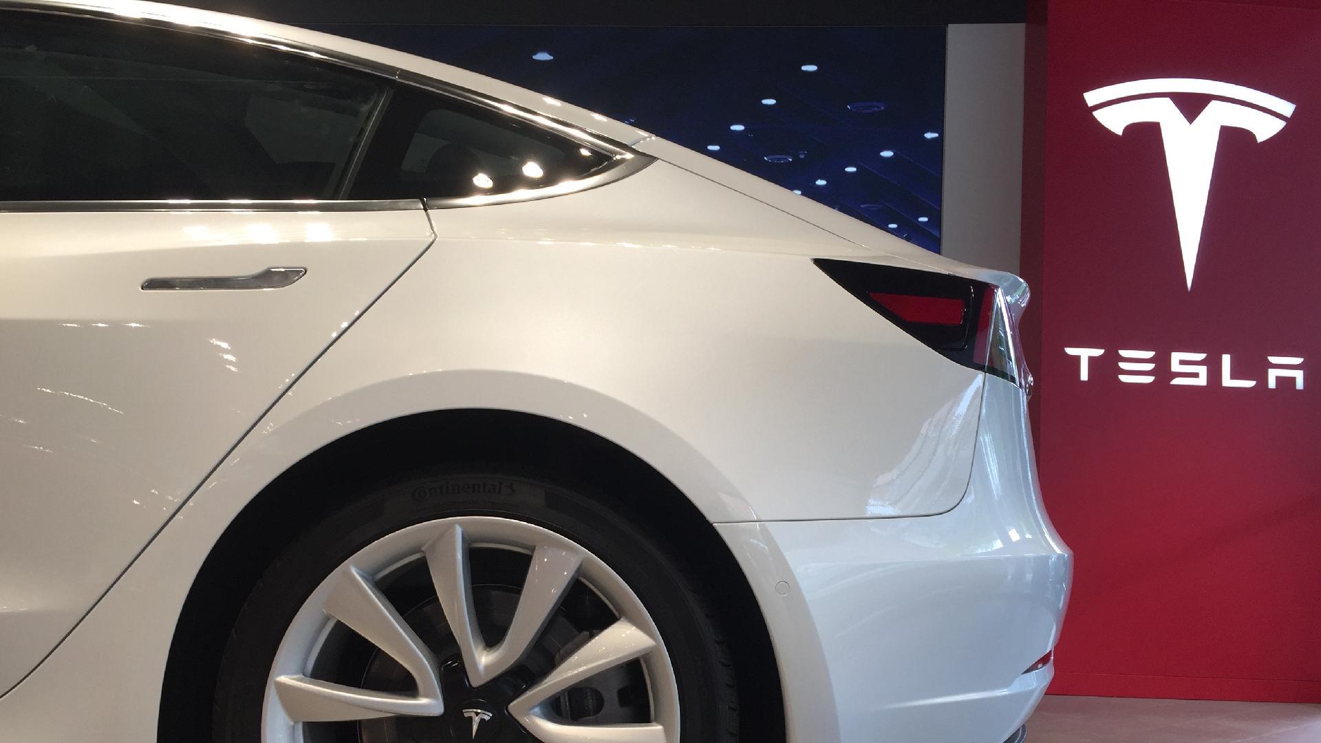 Tesla to debut new secret battery in its Model 3 sedan in ...