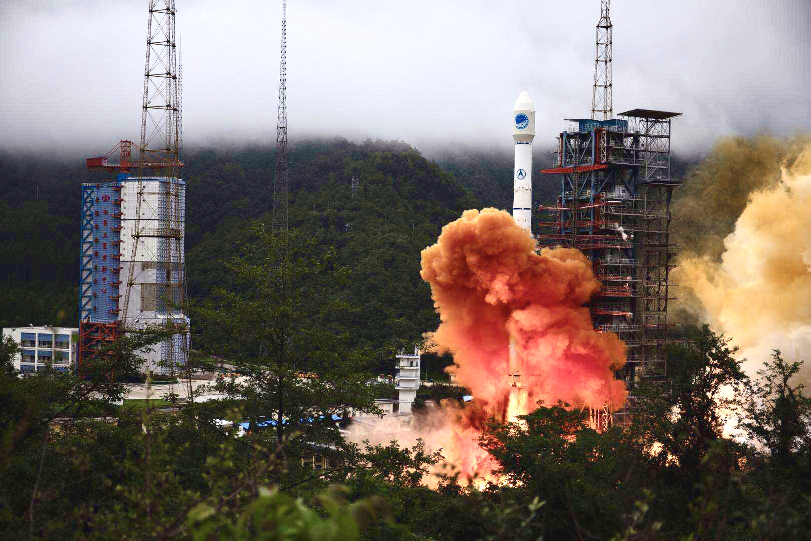 https://news.cgtn.com/news/2020-06-23/China-launches-last-BeiDou-navigation-system-satellite--Ry9yn9DrFK/img/be66cbdc93934990b6e00553653eba82/be66cbdc93934990b6e00553653eba82.jpeg