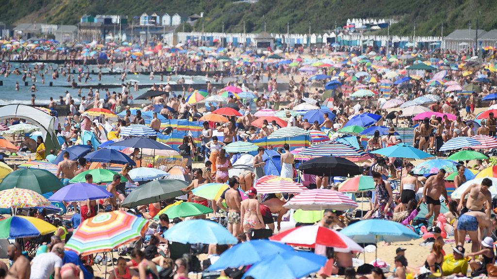 UK: Half a million flock to beaches amid risk of COVID-19 resurgence - CGTN