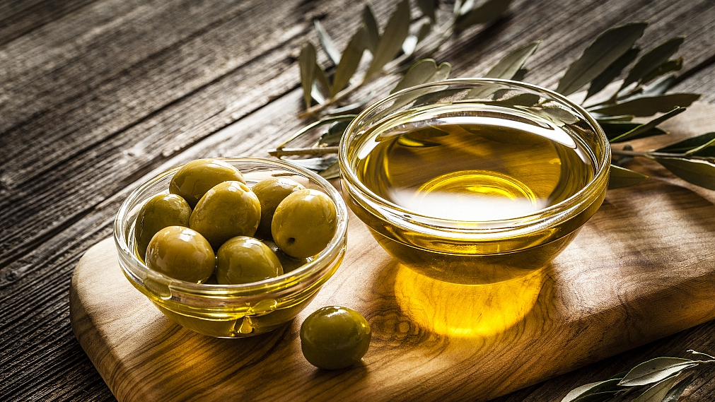 China's appetite for olive oil slowly growing as eating habits change - CGTN