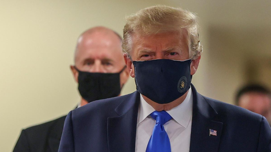 Trump Finally Wears Mask in Public During Visit to Walter Reed Hospital