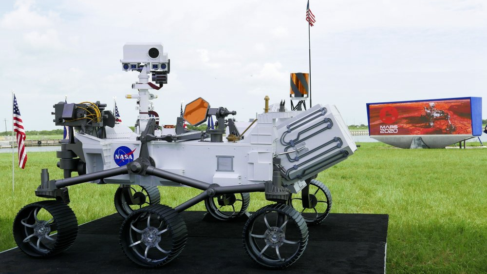 NASA launches Mars rover to look for signs of ancient life ...