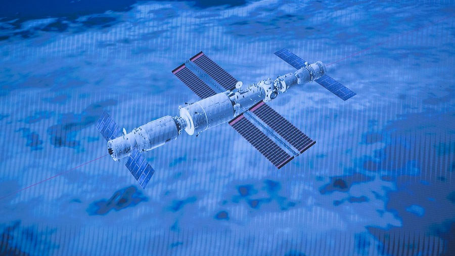 - 3eb12117eaee4ca09511d3e0ad7dd421 - New Tianhe space station and first space walk