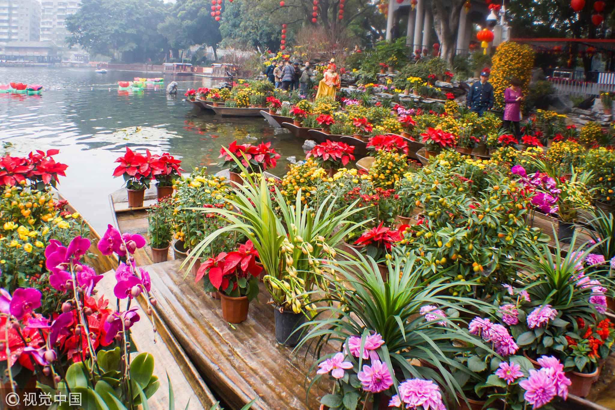 Floating Flower Market.Floating Flower Market Celebrates Spring Festival In