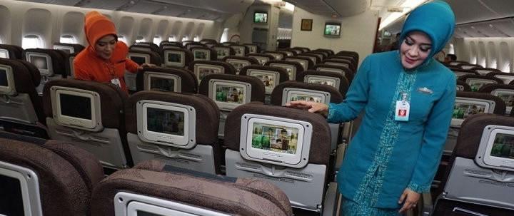 Singapore transvestite air hostess caned