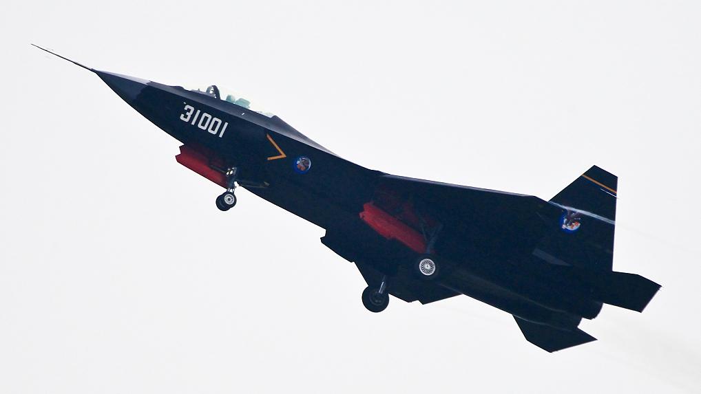 تعديلات كبيره في التصميم ظهرت علي مقاتلة الجيل الخامس الصينية FC-31  761894ecc9f5468a850c9f58e62efe2e