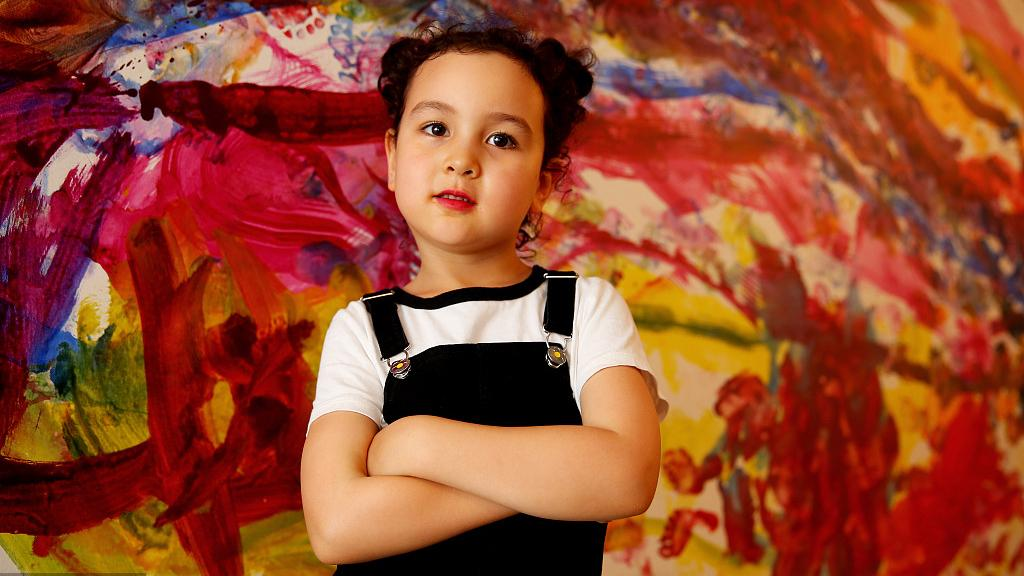Meet the six-year-old artist at her first solo exhibition - CGTN