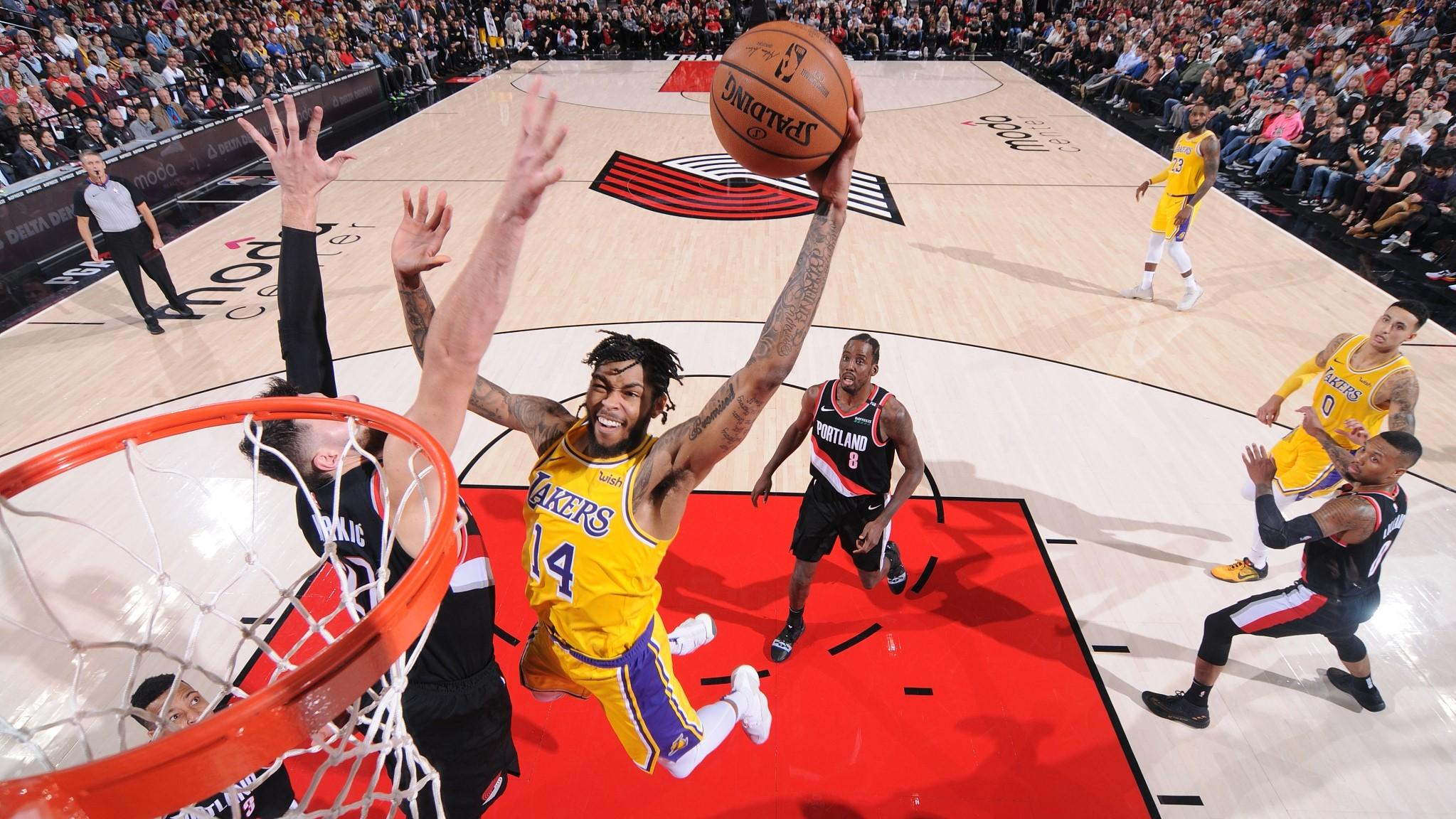cb431ee2ad4b NBA highlights on Nov. 3  Lakers end losing streak to Trail Blazers ...