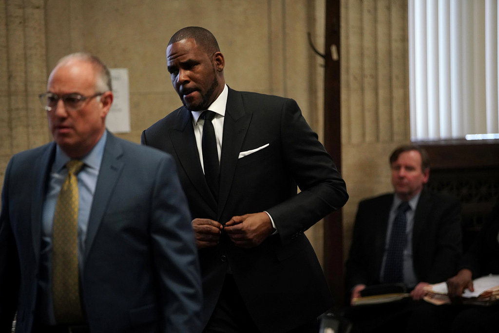 11 new sex-assault charges up legal ante for singer R  Kelly