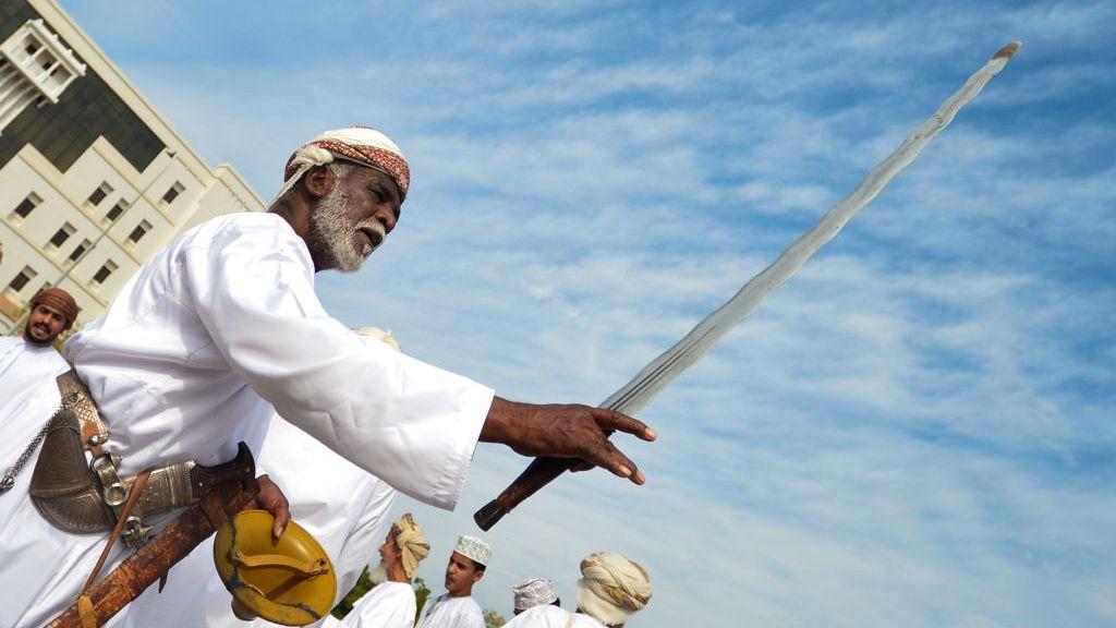 Sword dance: The cultural treasure of Oman - CGTN