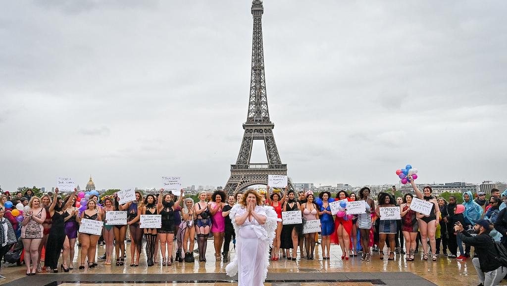 Eiffel Tower style show