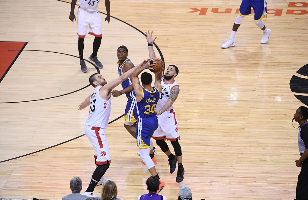 2019 NBA playoffs on May 30: Raptors claim victory in Finals Game 1 - CGTN