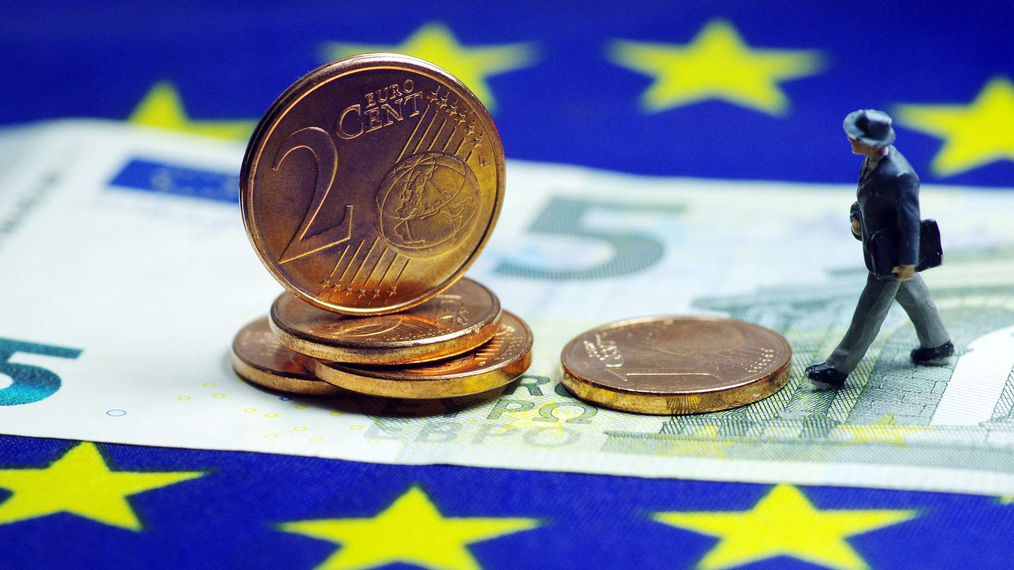 Eurozone growth further slows down in second quarter