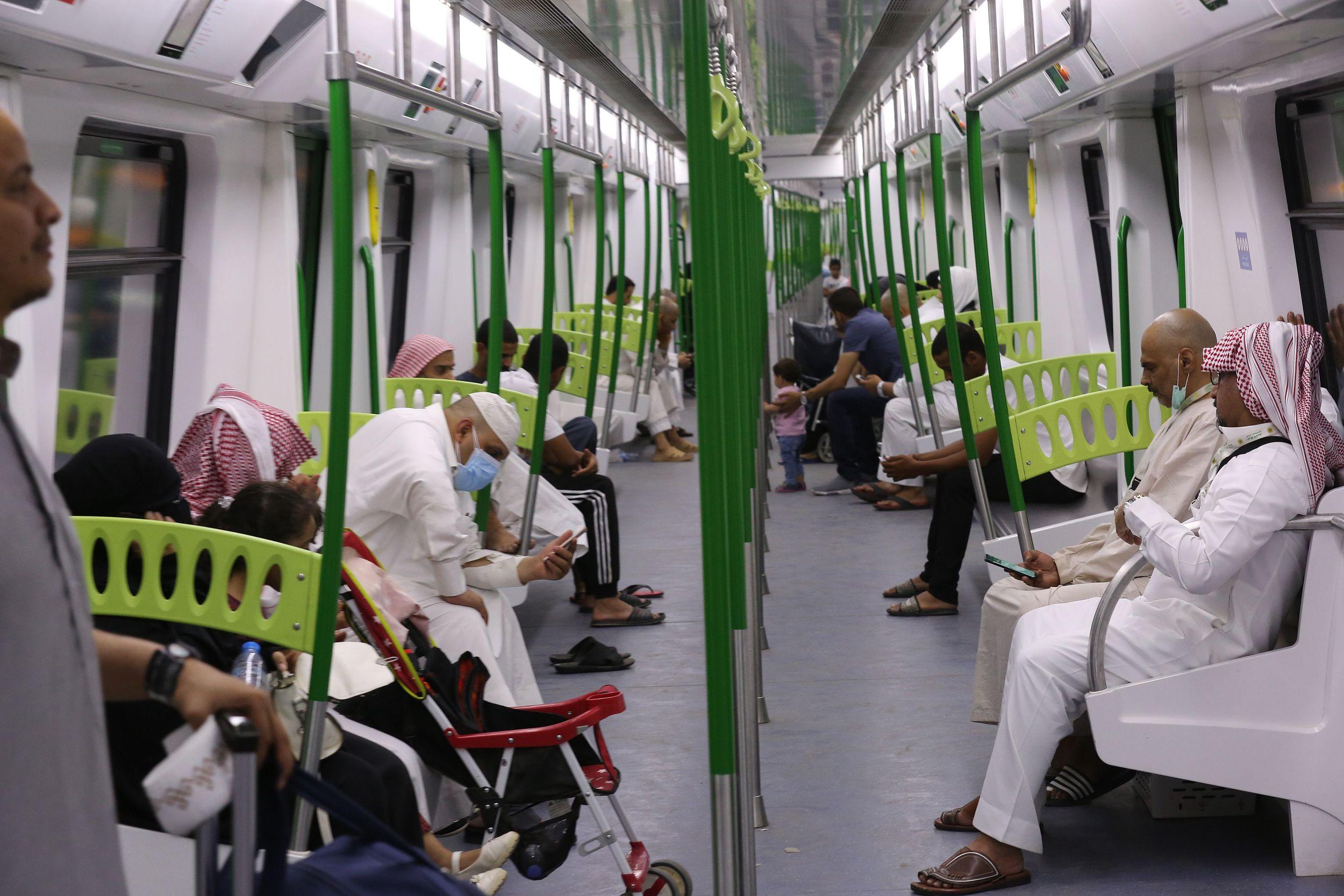 Chinese-built Mecca Light Railway praised by Hajj pilgrims