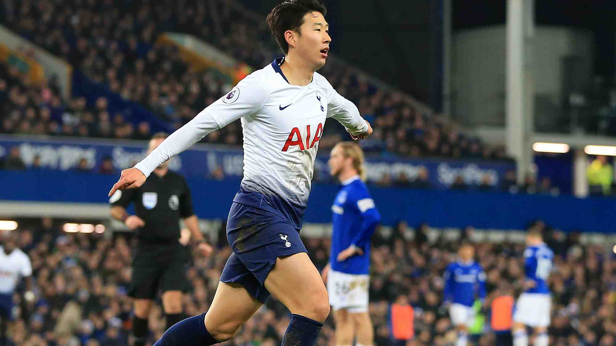42ee02d46 ... race might not be just a two-horse affair with a hugely impressive 6-2  win at Everton on Sunday with Son Heung-min and Harry Kane both scoring  twice.