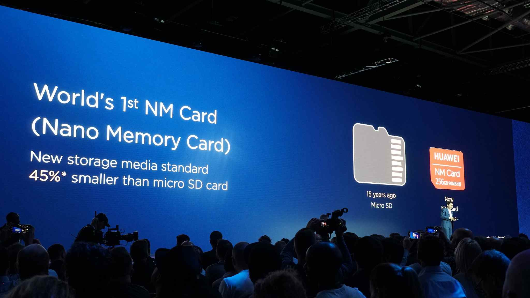 Huawei's self-developed NM cards feature transfer speeds of