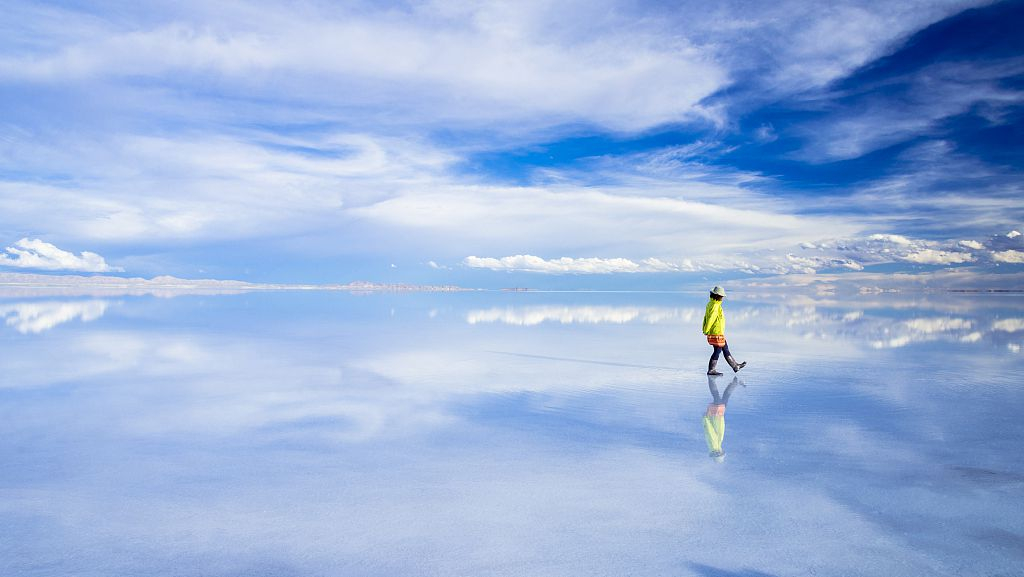 Mirror Of The Sky Bolivia S Uyuni Salt Flats Cgtn