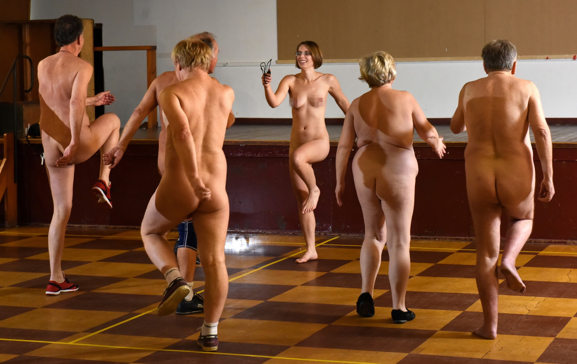 pics-of-naked-women-in-gymnasium-movis