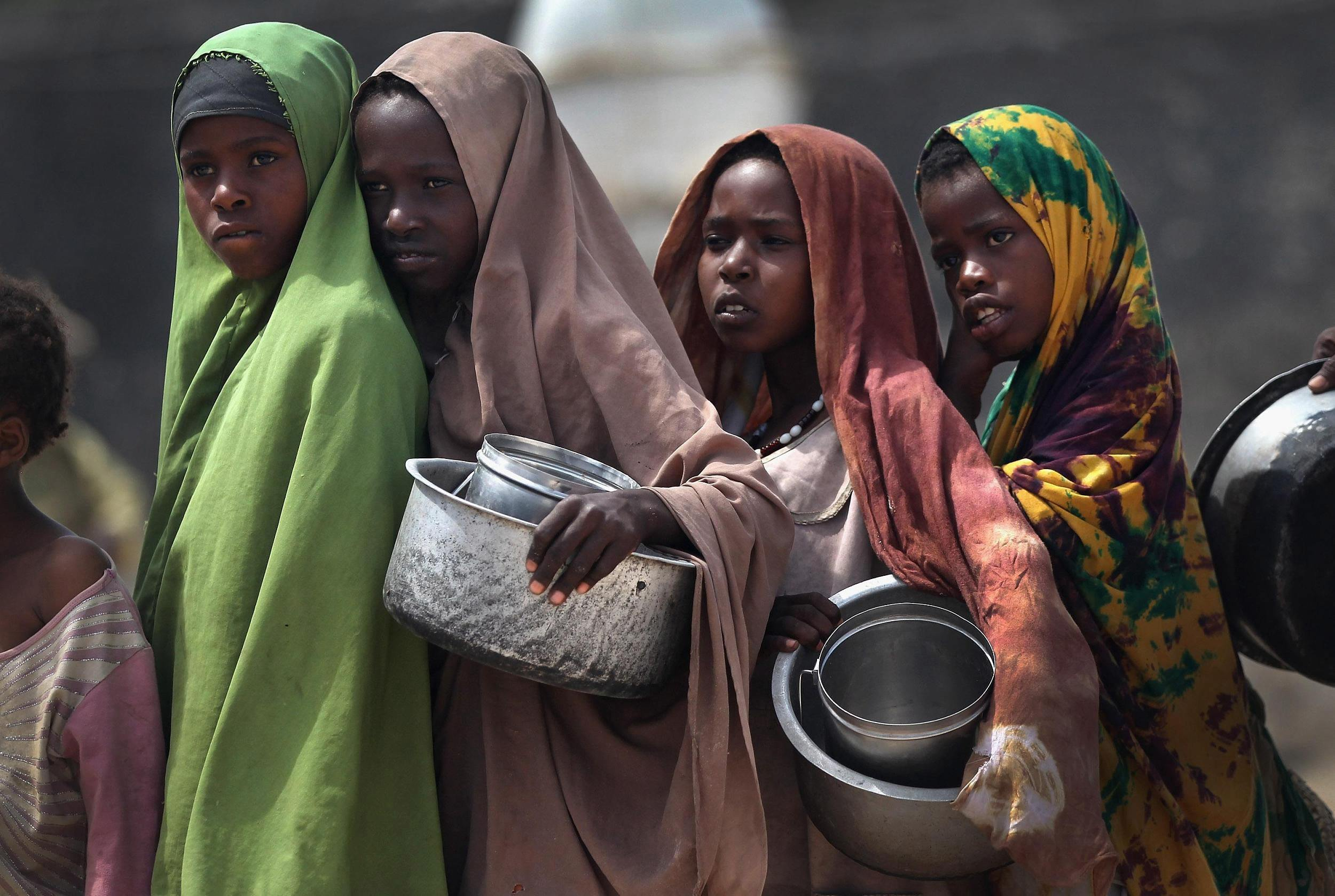 somaliland-girls-water-hose-in-girls-ass