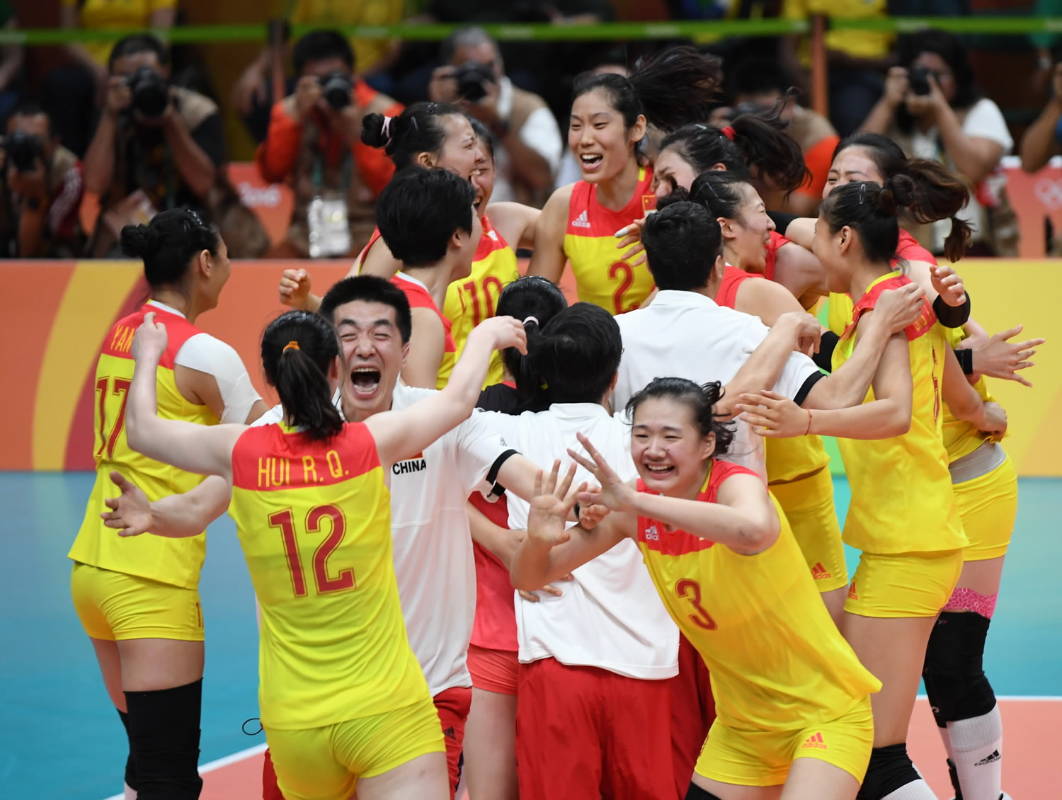 Chinese Women S Volleyball Team Spikes Olympic Disappointment To Seal Glory Cgtn