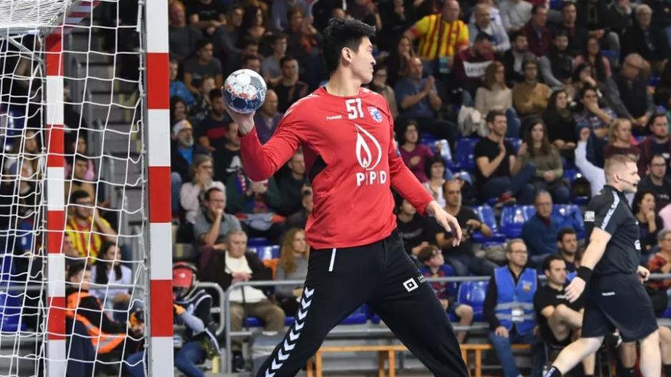 China S Wang Quan Scores Goal In Handball Champions League Cgtn