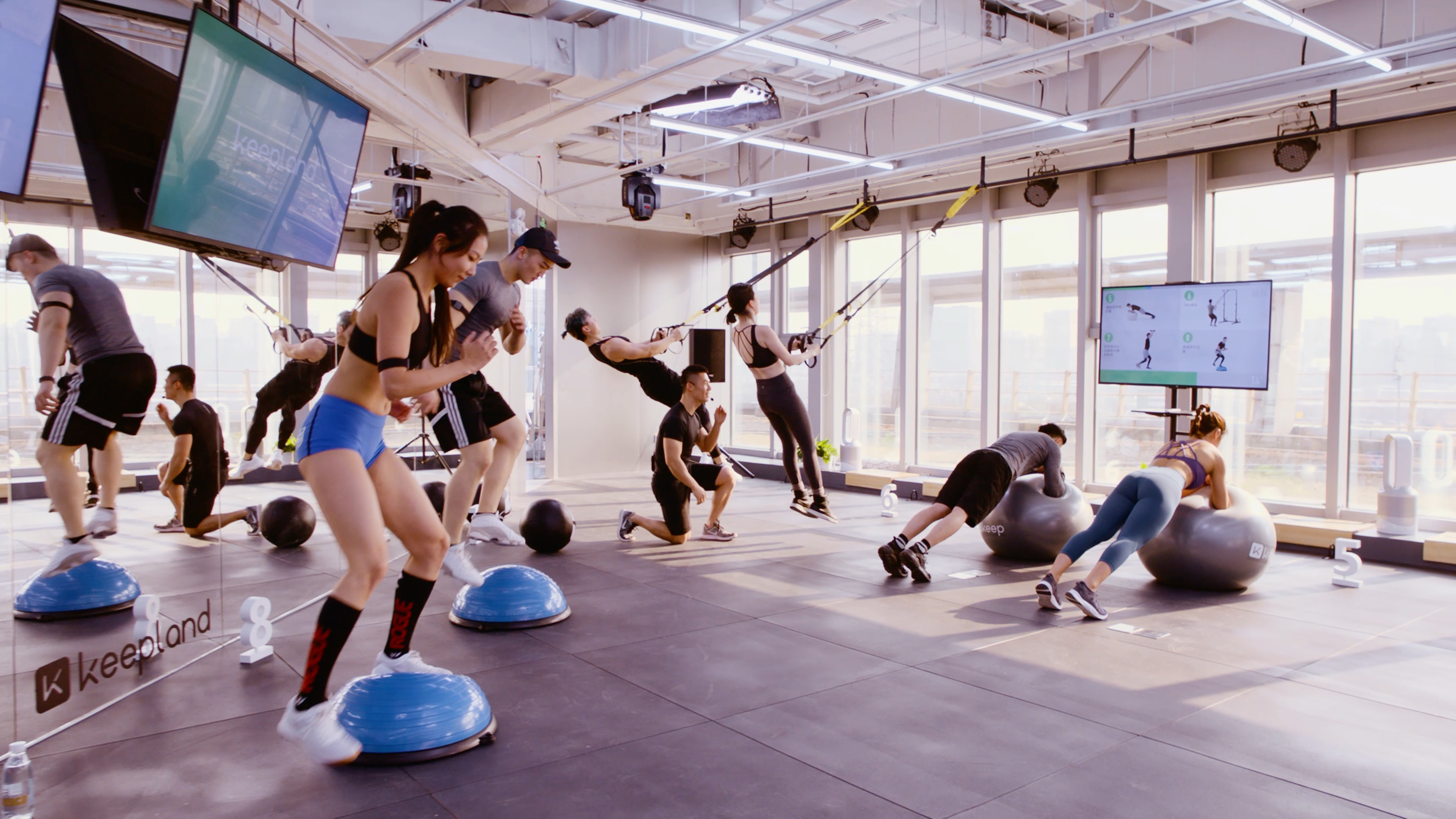 Discover the world of online fitness during the COVID-19 pandemic ...